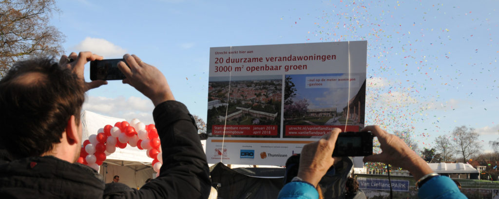 Liefland-opening-bord